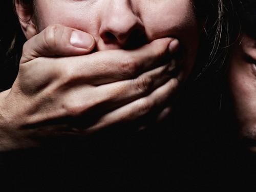Тюменец заманил ксебе соседку и 4 дня насиловал иизбивал ее