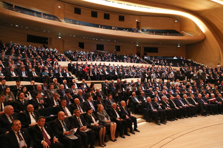 Тюменская область предлагает Азербайджану реализацию ряда проектов— губернатор