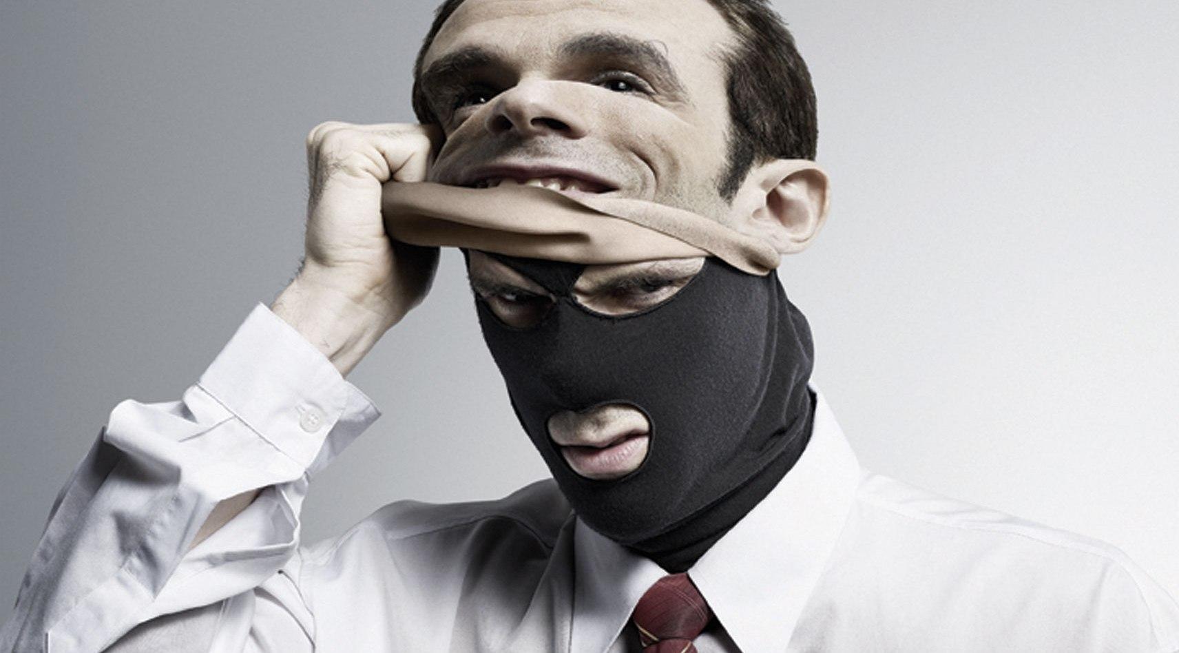 ВБарнауле лже-полицейский обманул директора ночного клуба