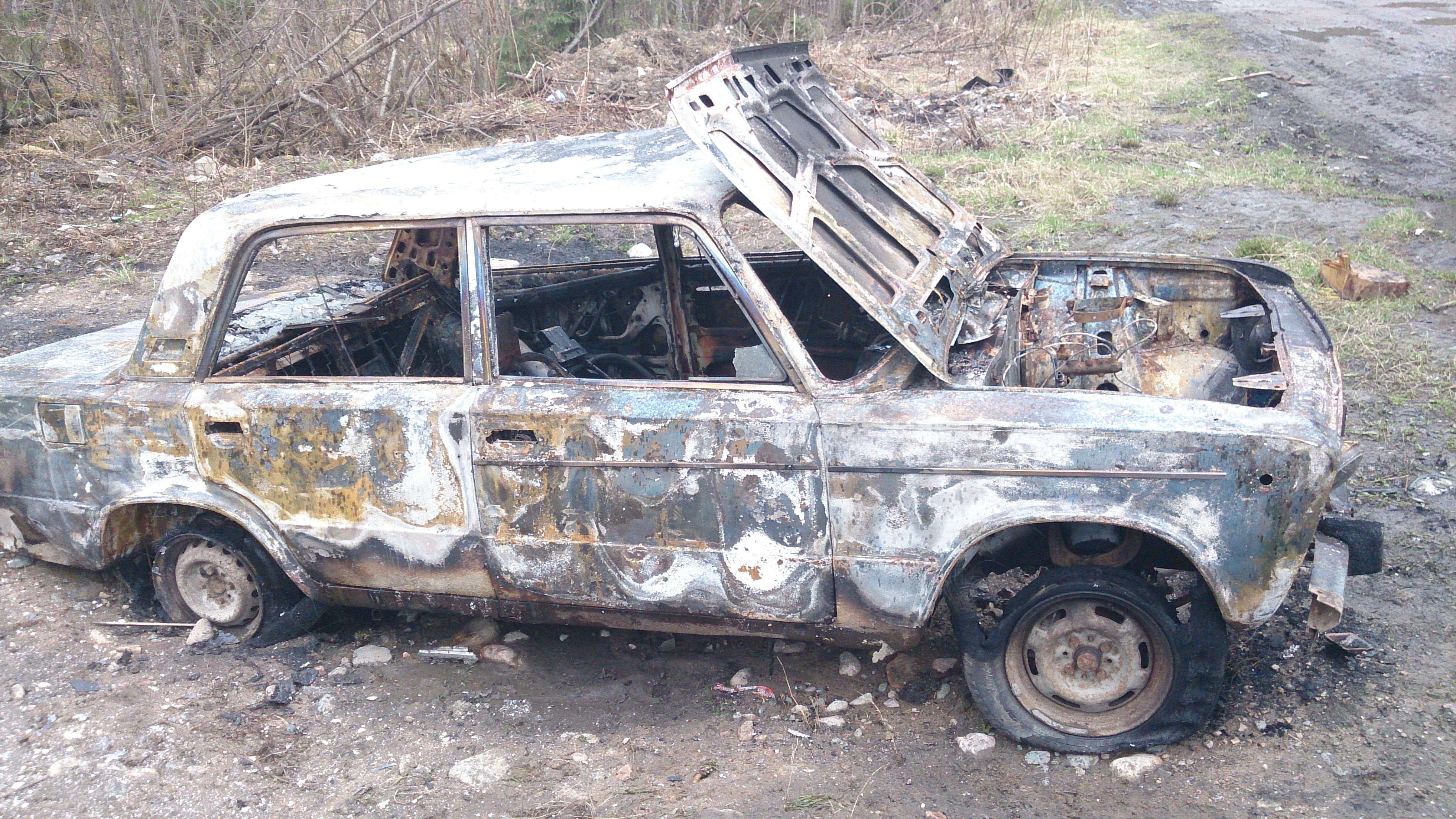 ВКрасноярске угонщик сжёг похищенную машину изстраха быть пойманным