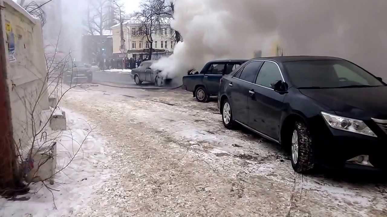 Настоянке вЧурилово сгорели 2 машины