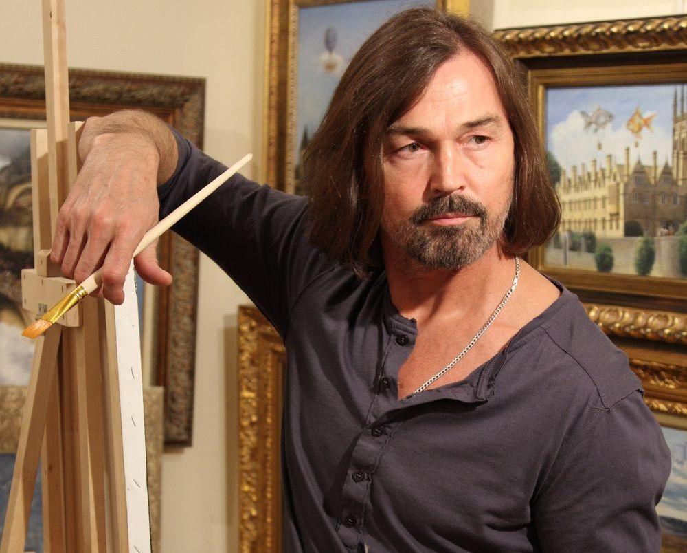 Никас Сафронов подарил Городецкому его портрет