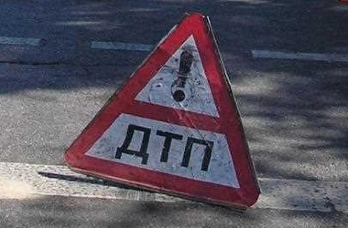 ВЕкатеринбурге маршрутка и«Лада» сбили 2-х подростков-пешеходов