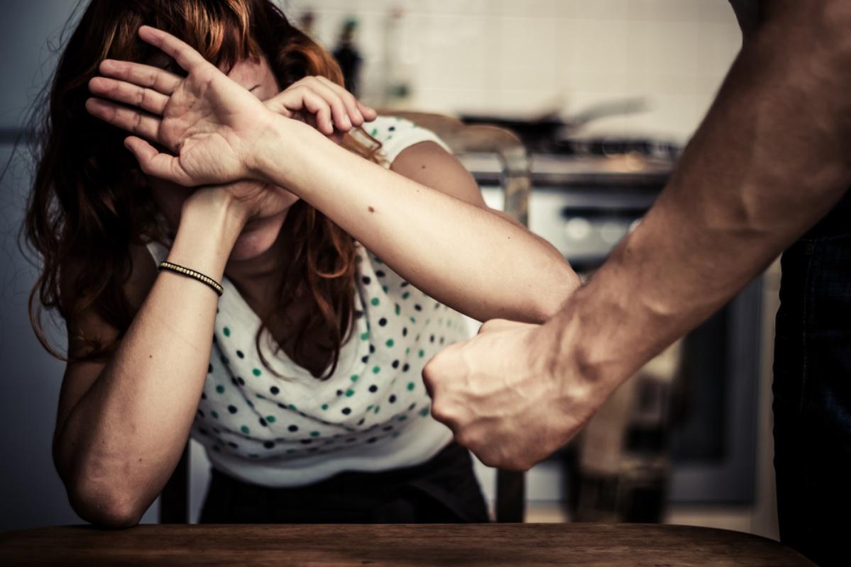 Супруг изКанска попал под следствие заистязания терпеливой жены