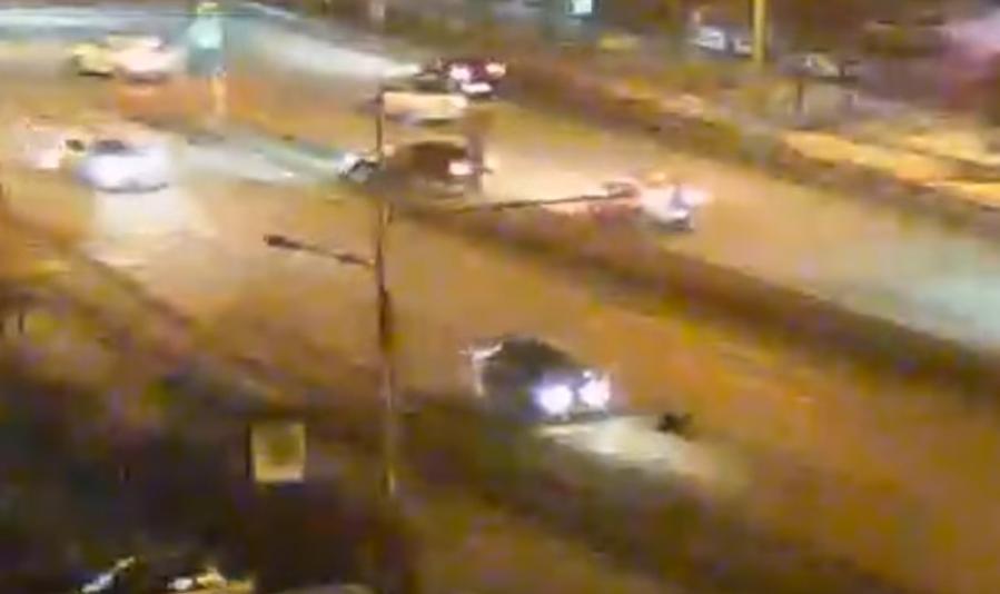 Легковушка сбила женщину, перебегавшую дорогу наоживленной дороге вКрасноярске