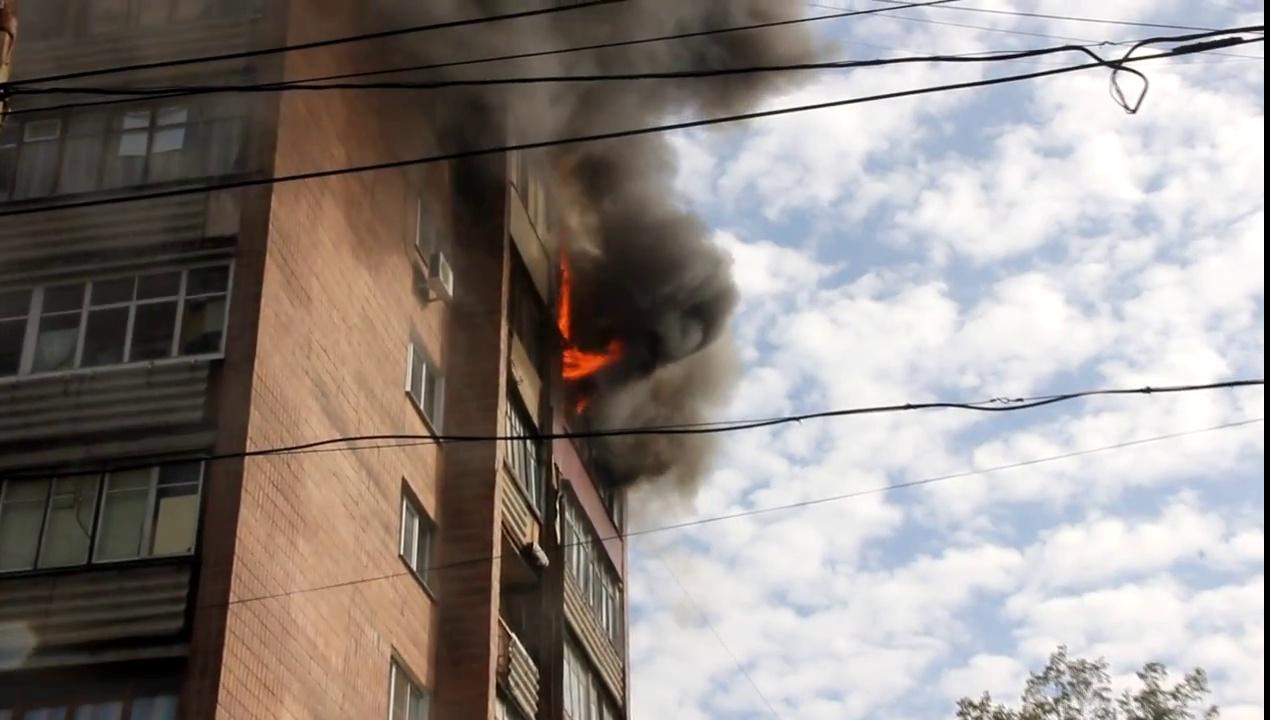 Впроцессе пожара изжилой девятиэтажки вНефтекамске эвакуировали 37 человек