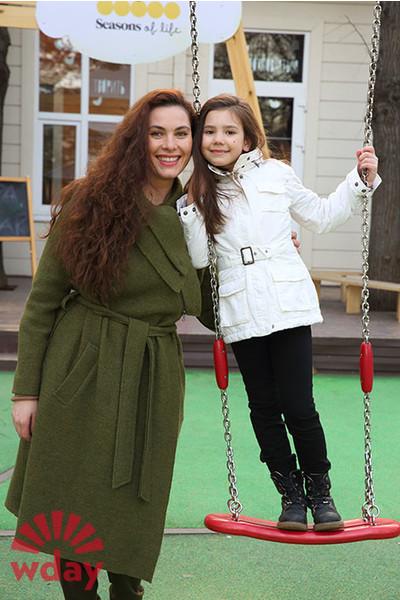 Дочь Янины Соколовской (актриса) – Женя фото