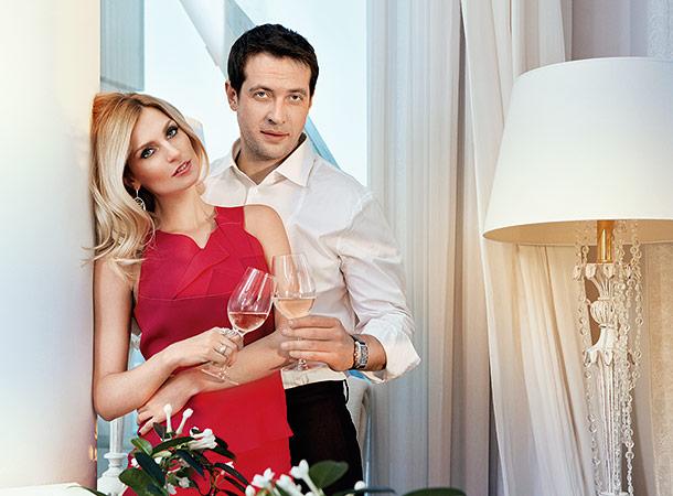 Жена Кирилла Сафонова (актер) – Саша Савельева. Они расстались фото