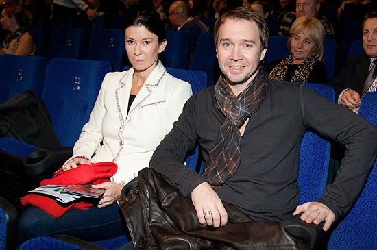 Жена Евгения Миронова. Он голубой? Гей или нет? фото