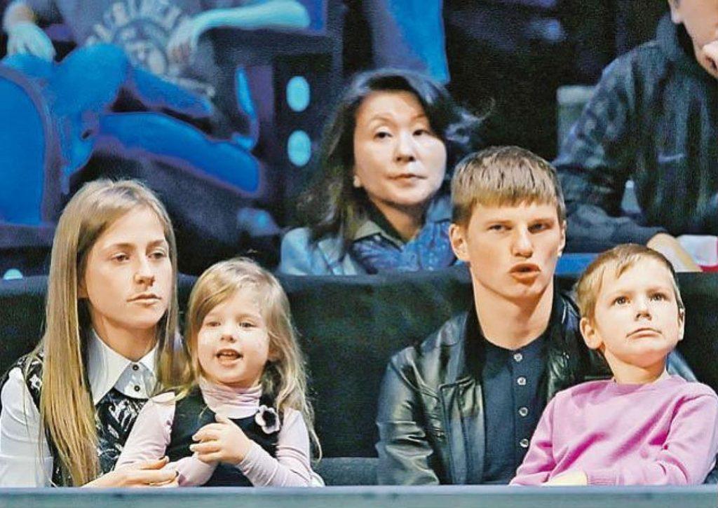 Развод с мужем Юлии Барановской – Андреем Аршавиным фото