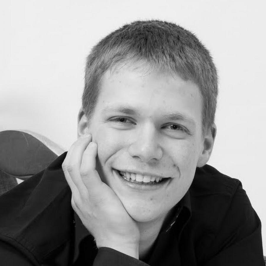 Сын Жана Дюжарден – Симон Дюжарден фото