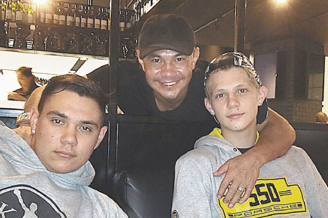 Сыновья Кости Цзю – Тим, Никита и Владимир фото