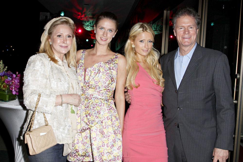 Семья и дети Пэрис Хилтон фото