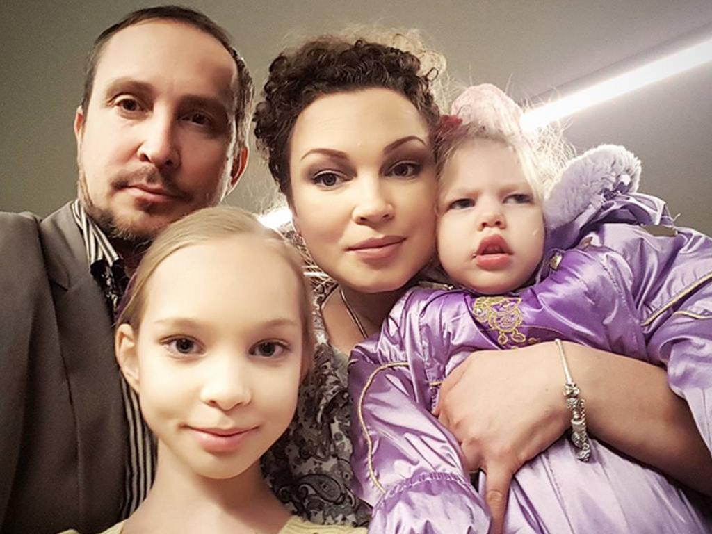 Семья и дети Певца Данко фото