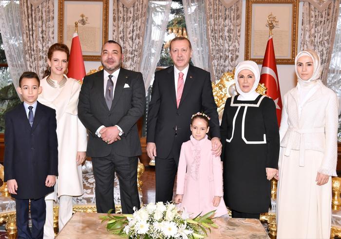Семья и дети Реджепа Тайипа Эрдогана фото