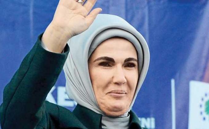 Жена Реджепа Тайипа Эрдогана – Эмине Эрдоган фото