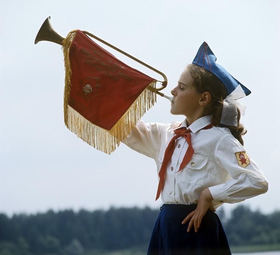 Сценарий дня рождения для мужчины в стиле СССР «Пионер всегда готов» фото