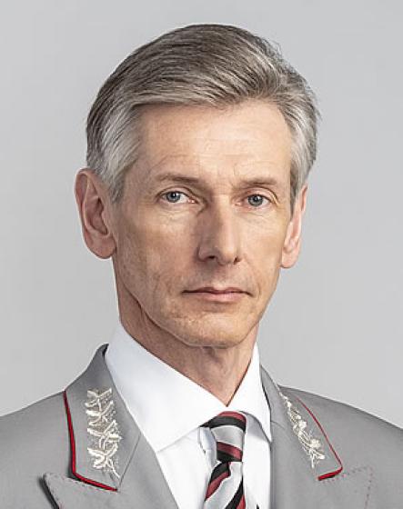 Олег Вильямсович Тони: биография, образование, карьера