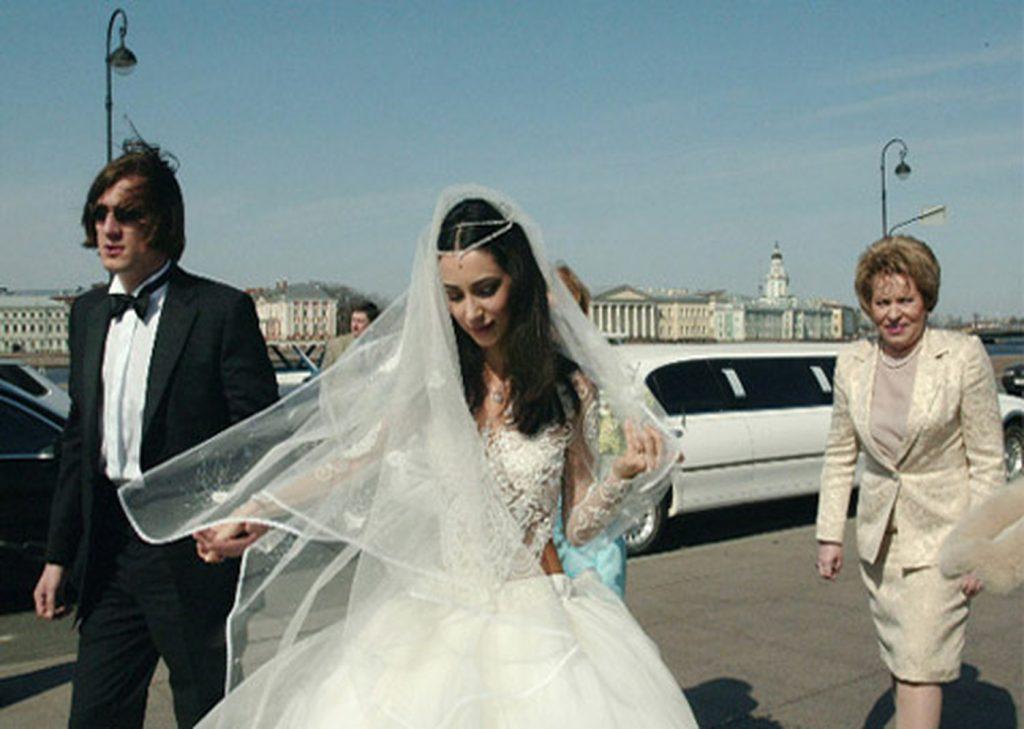 Первый (бывший) муж Зары (певица) — Сергей Матвиенко фото