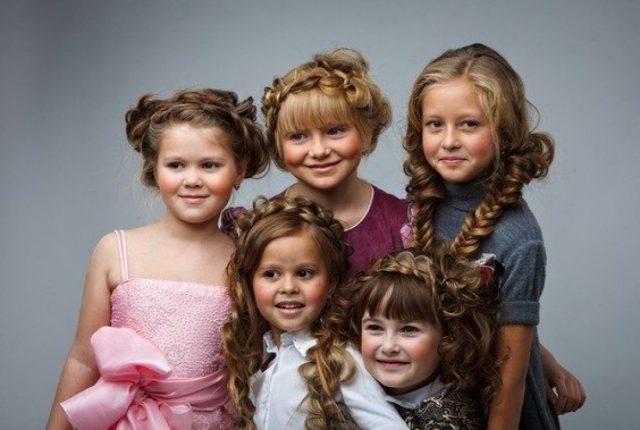 Прически на 1 сентября для девочек фото