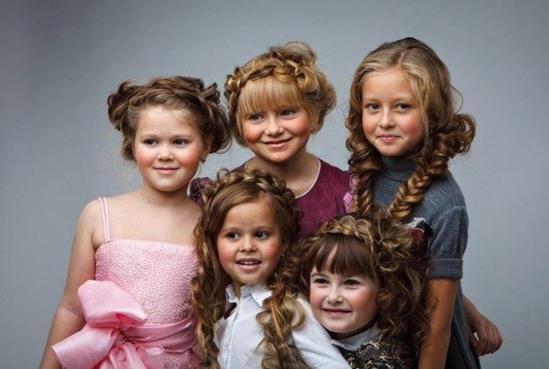 Красивые прически для девочек на 1 сентября фото своими руками фото 388
