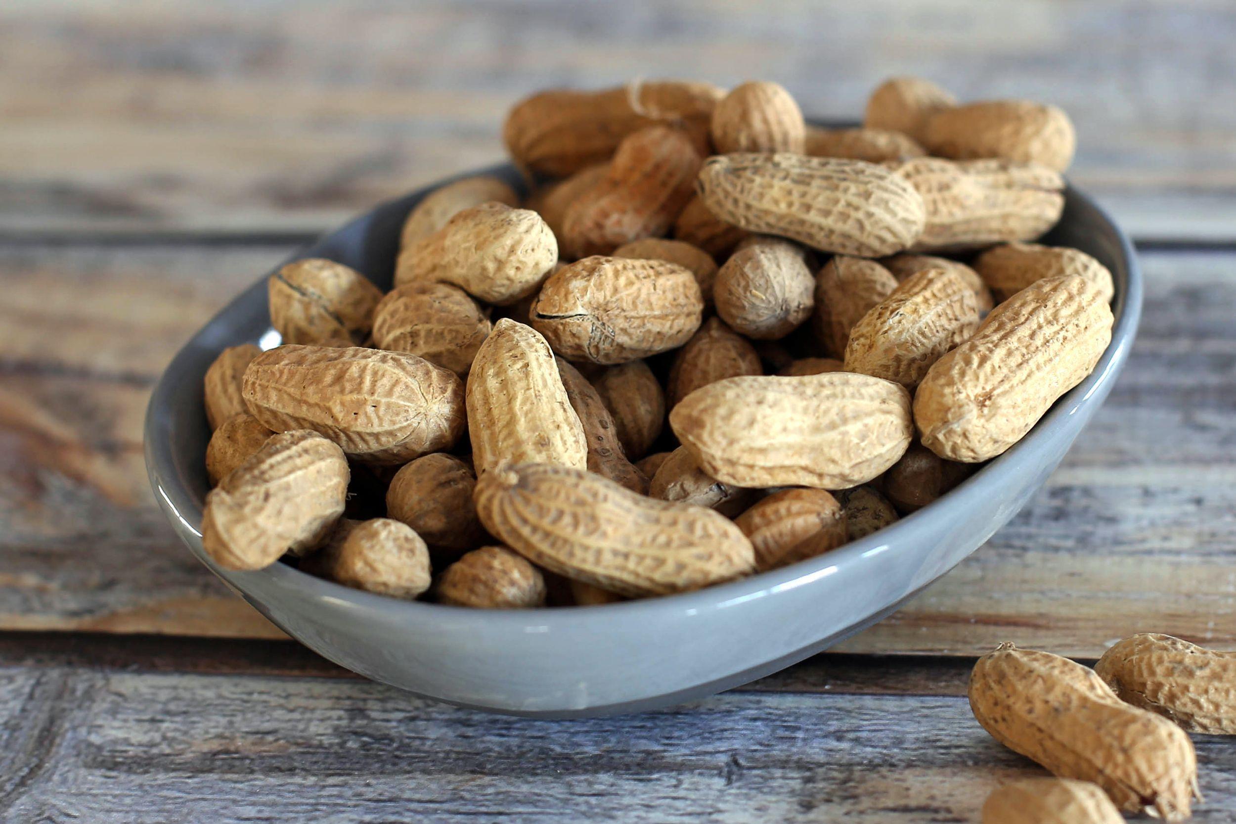 Орех арахис: польза и вред для здоровья организма человека