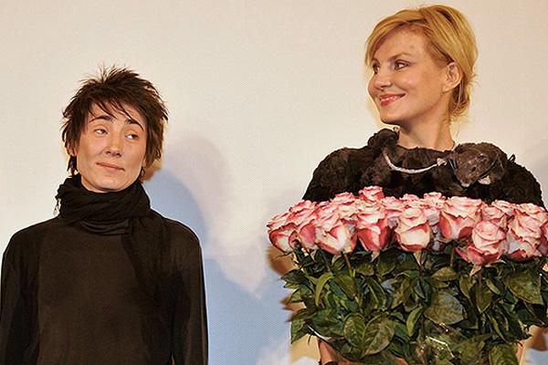 Поженились. Земфира и Рената Литвинова - объединили свой союз