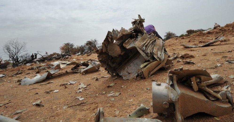 Крушение самолета в Алжире - последние новости 200 человек погибло фото