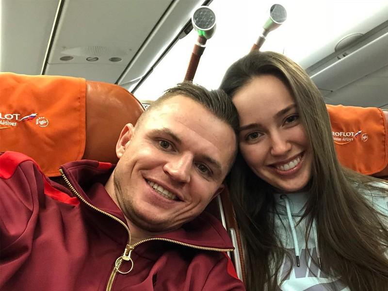 Ольга Бузова жестко отреагировала на фото беременной Анастасии Костенко фото