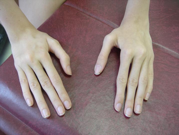 Утонченные и длинные пальчики