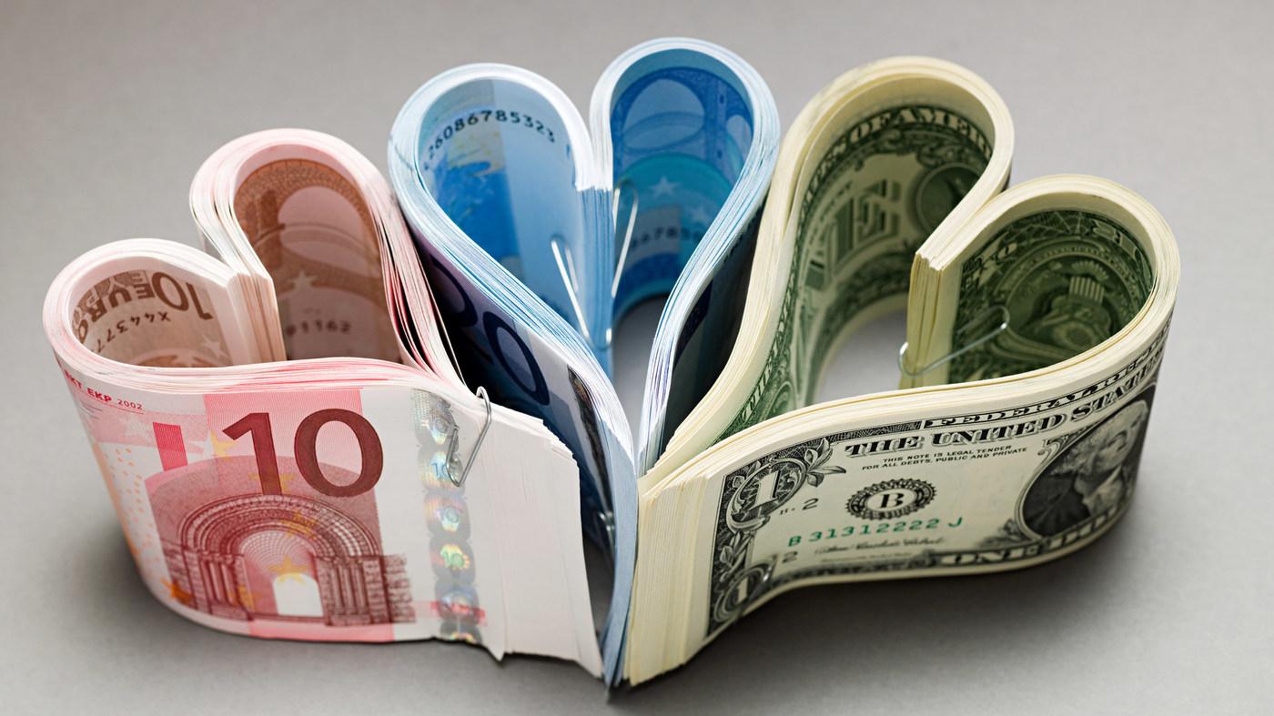 В какой валюте хранить деньги в 2019 году фото