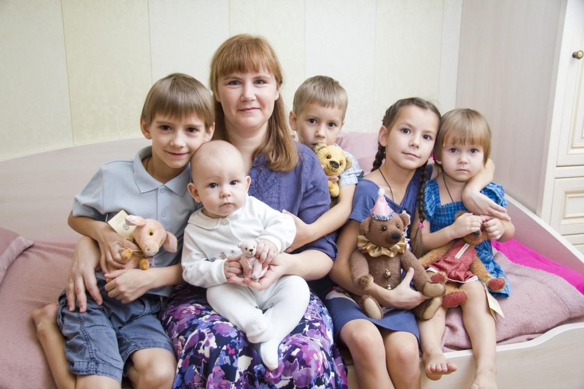 Выплаты малоимущим семьям в 2019 году фото