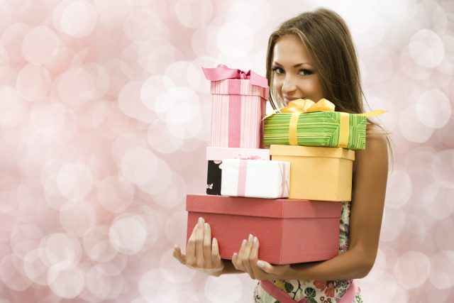 Какие недорогие подарки можно подарить сестре на 8 марта или День Рожденья